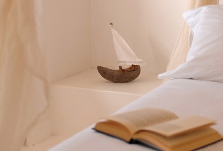 boat book room spinguera